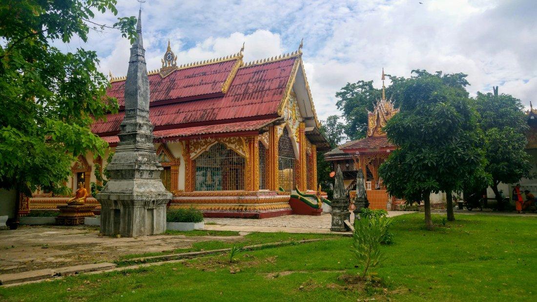 Wat Thatkao temple
