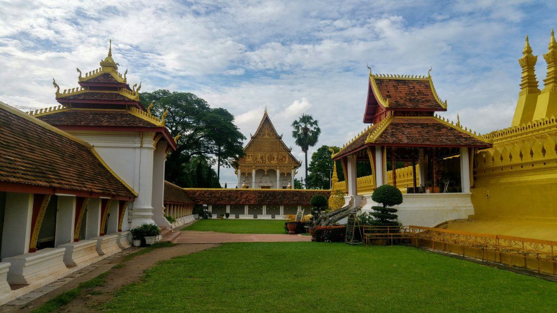 That Luang golden temple grounds
