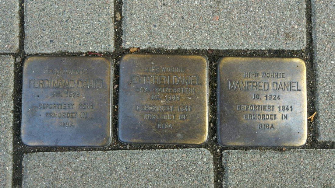 Paved names of Nazi victims